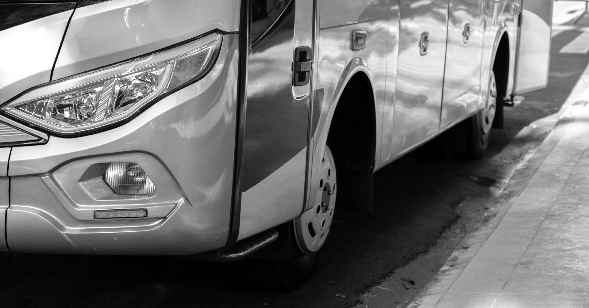 Грузовой эвакуатор для автобусов